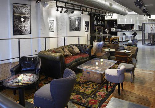 Renoma café gallery paris lounge