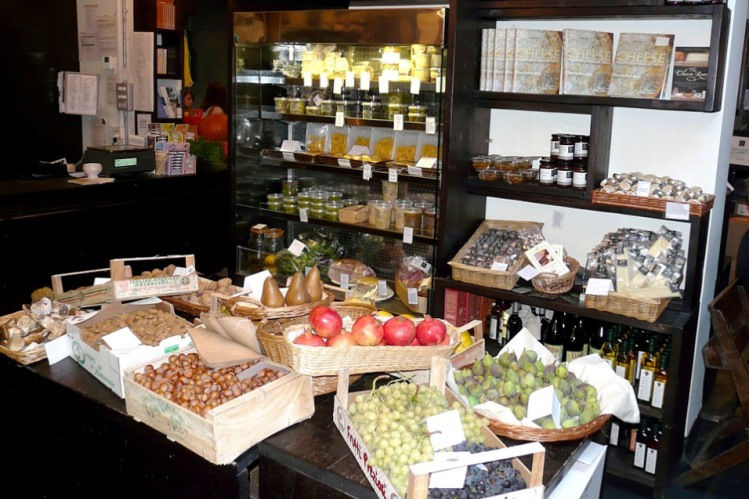 la-fromagerie-fruit-and-nuts