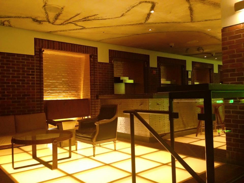 hudson hotel new york the trendy guide. Black Bedroom Furniture Sets. Home Design Ideas